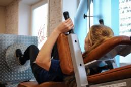Physiotherapie Björn Bruns_Training an der Beinpresse